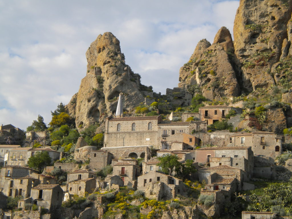 Il fascino dei borghi più belli di Calabria
